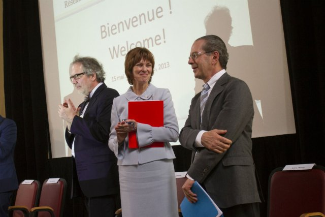 Jean Latreille, Heather Munroe-Blum et Larry Rossy....