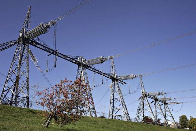 Alors que les surplus d'électricité s'accumulent, Hydro-Québec a décidé de ne... (Photo Archives La Presse Canadienne)