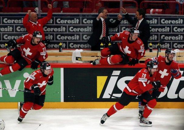 La Suisse, intraitable en défense, a rejoint la Suède, qui retrouve son jeu... (Photo Grigory Dukor, Reuters)