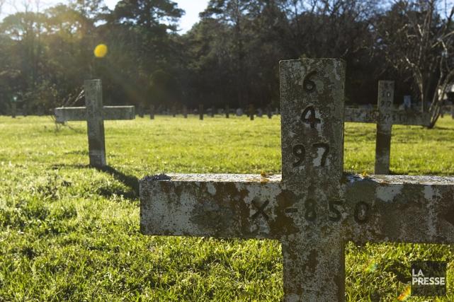 Sur la photo, le cimetière des prisonniers à... (Photo: Ninon Pednault, La Presse)