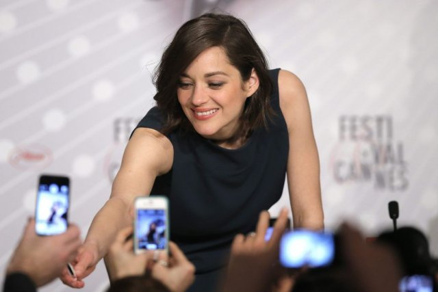 Marion Cotillard, qui joue dans Blood Ties, signe... (Photo AFP)