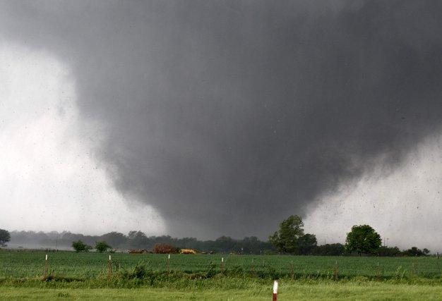 Une puissante tornade, avec des vents allant jusqu'à... (AP Photo)