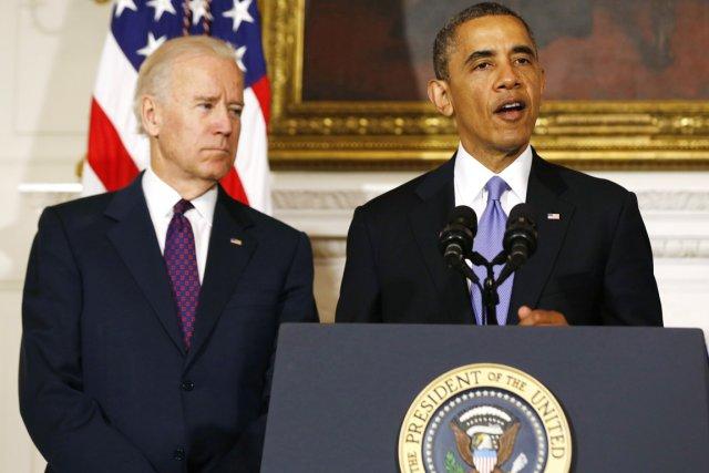 Le président des États-Unis Barack Obama (à droite)... (PHOTO LARRY DOWNING, REUTERS)