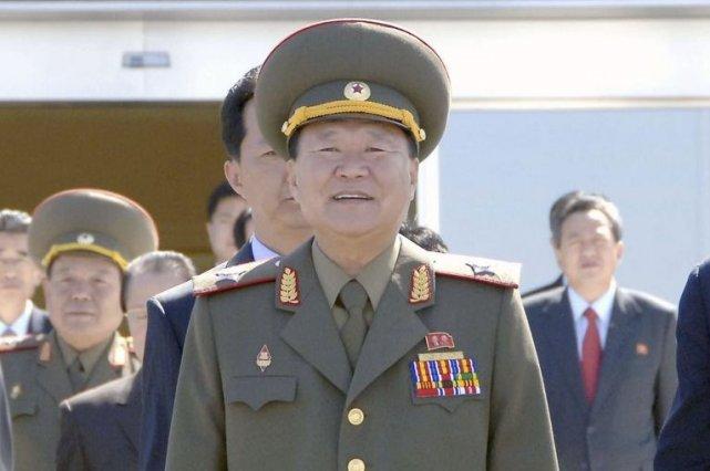 Le dirigeant nord-coréen Choe Ryong-Hae... (Photo Reuters/KCNA)