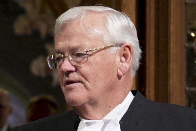 Le scandale des dépenses des sénateurs ne cesse... (Photo : Adrian Wyld, PC)