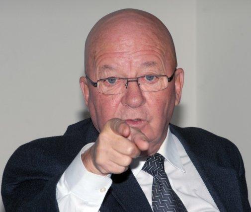 L'ex-ministre péquiste Guy Chevrette... (Photo Archives Le Quotidien)