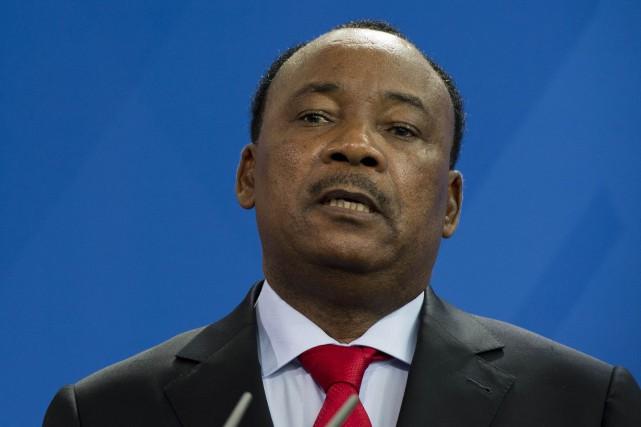 Le président du Niger Mahamadou Issoufou.... (Photo John MacDougall, archives Agence France-Presse)