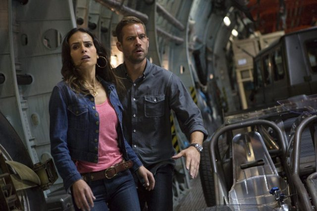 Jordana Brewster et Paul Walker dans Fast &... (Photo: fournie par Universal Pictures)