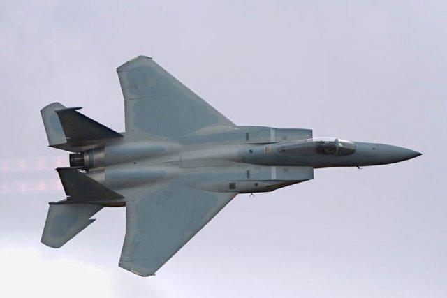 Un chasseur américain F-15 est tombé en mer mardi au large de l'île japonaise... (Photo: AFP)