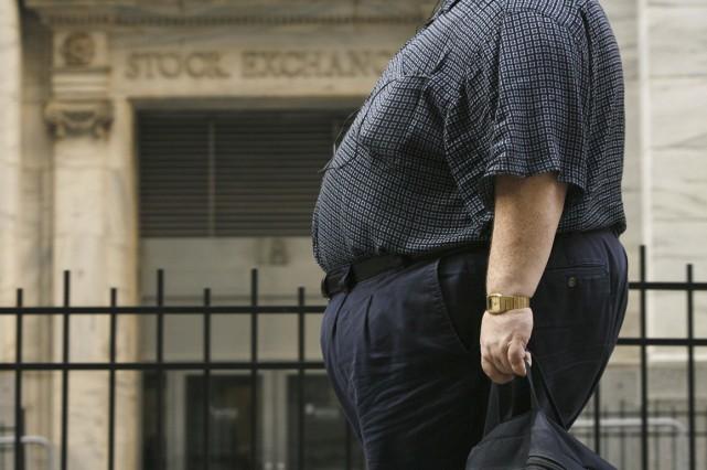 Les individus qui sont obèses au début de l'âge adulte sont ensuite plus... (PHOTO ARCHIVES REUTERS)
