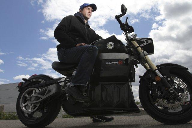 L'homologation de Transports Canada en poche, Jean-Pierre Legris... (Photo Stéphane Champagne, collaboration spéciale)