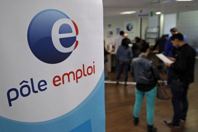Le taux de chômage se chiffre à 10,9%... (PHOTO JEAN-PAUL PELISSIER, REUTERS)