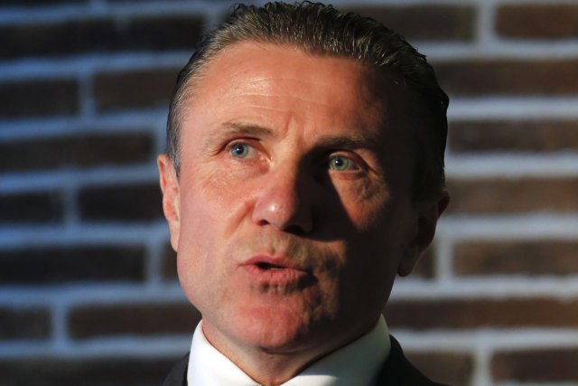 Le légendaire sauteur à la perche Sergueï Bubka... (Photo Dmitry Lovetsky, AP)