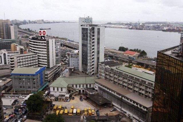 Le quartier des affaires de Lagos, au Nigeria.... (PHOTO AKINTUNDE AKINLEYE, REUTERS)