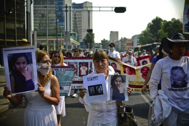 Une manifestation de mères, le 10 mai dernier,... (PHOTO RONALDO SCHEMIDT, AFP)