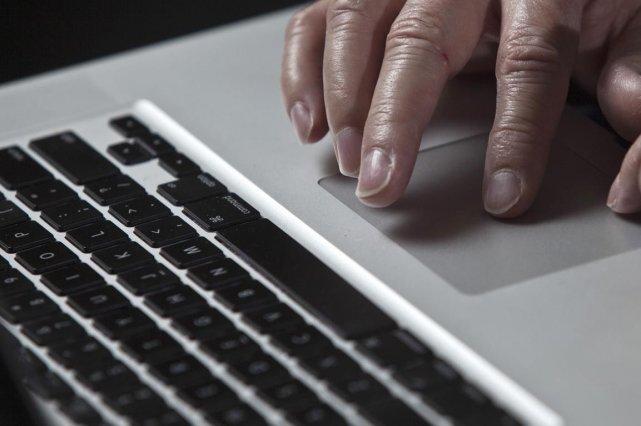 Les limitations de l'accès à internet à Cuba relève de raisons «technologiques... (Photo: Archives Reuters)