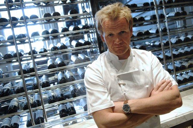 Le chef cuisinier britannique Gordon Ramsay... (PHOTO STEPHANE DE SAKUTIN, AFP)