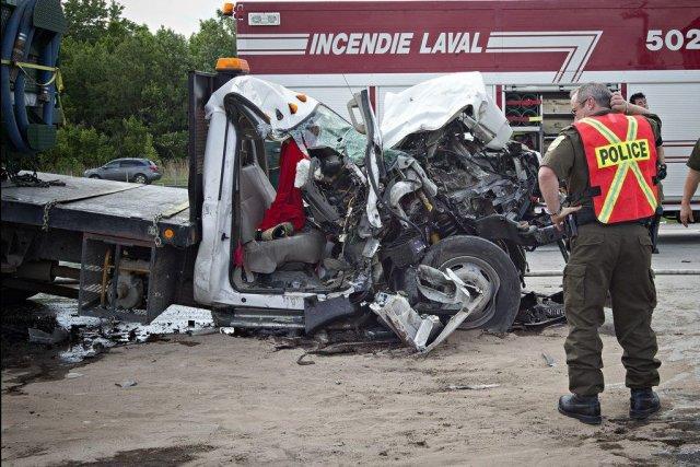 La camionnette a littéralement soulevé la remorque du... (Photo PATRICK SANFAÇON, LA PRESSE)