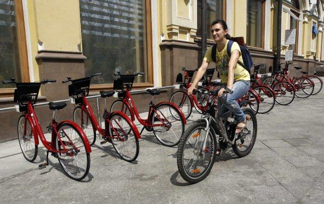 Moscou se met le 1er juin aux vélos en libre-service, un vrai défi pour cette... (Photo Sergei Karpukhin, Reuters)