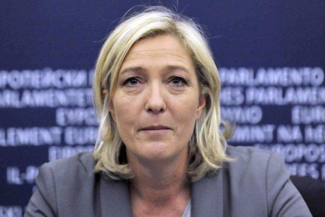 La chef du Front national français, Marine Le... (PHOTO GEORGES GOBET, AFP)