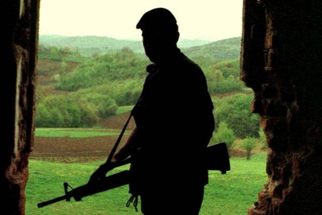Un soldat de l'armée canadienne, en Bosnie, en... (Photo d'archives PC)
