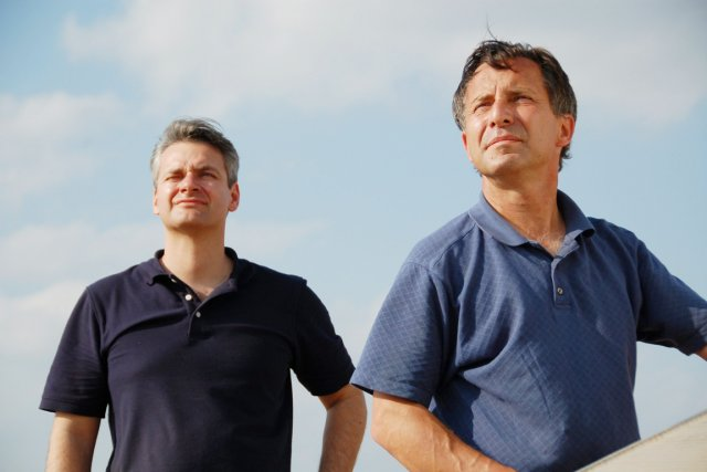 Carl Young (à gauche) et Tim Samaras.... (PHOTO AP/DISCOVERY CHANNEL)