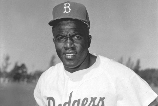 the life and achievements of american jackie robinson How can the answer be improved.