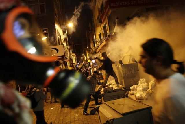 Ce mouvement est sans précédent depuis l'accession au... (PHOTO MURAD SEZER, REUTERS)