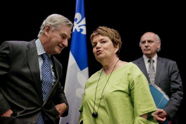 Le président de la commission, Serge Ménard (à... (PHOTO MARCO CAMPANOZZI, LA PRESSE)