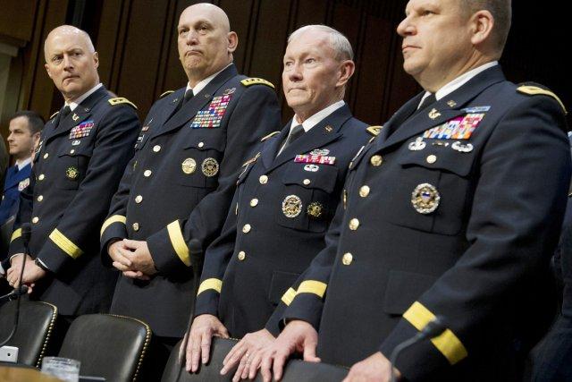 Les chefs de tous les grands corps de... (PHOTO SAUL LOEB, REUTERS)