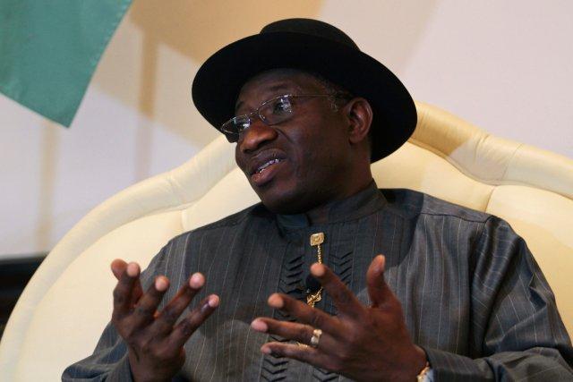 Le président nigérian Goodluck Jonathan a interdit les... (PHOTO AFOLABI SOTUNDE, REUTERS)