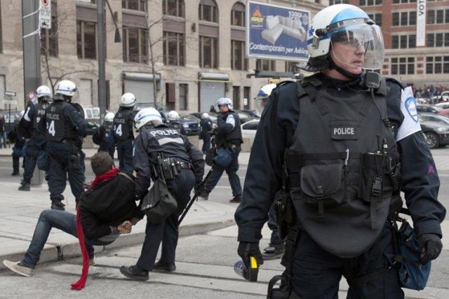 Les policiers de Montréal ont procédé à 2093... (Photo: Patrick Sanfaçon, La Presse)