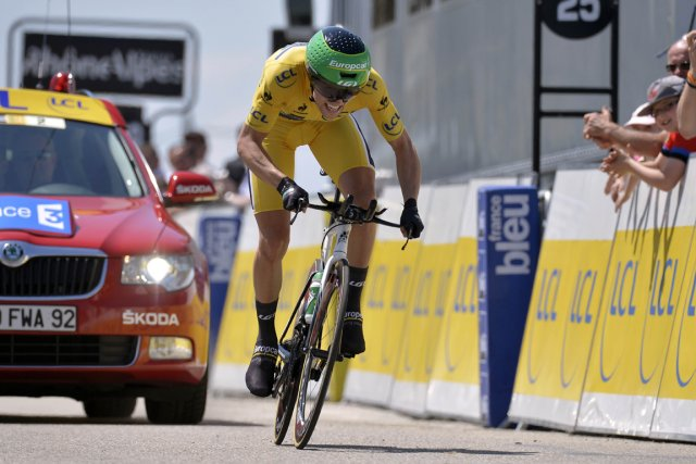 David Veilleux a dû renoncer au maillot jaune... (Photo Jeff Pachoud, AFP)