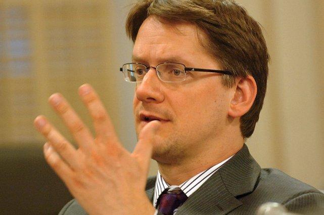 Le ministre Sylvain Gaudreault... (PHOTO JEAN-MARIE VILLENEUVE, ARCHIVES LE SOLEIL)