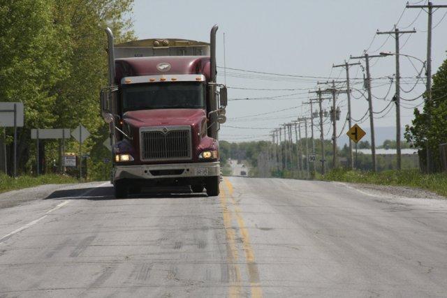 Les routes étudiées ont été choisies en fonction... (photo Janick Marois, archives La Voix de l'Est)