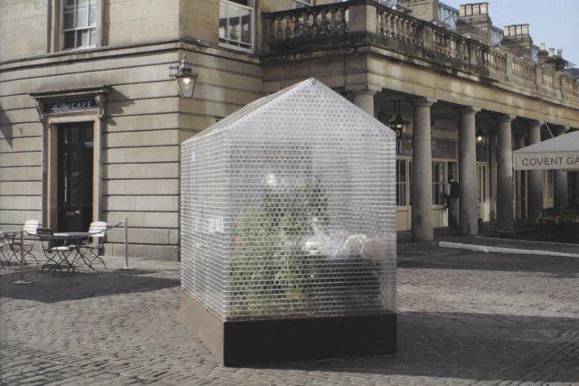 Les adeptes d'architecture résolument contemporaine et écologique seront... (Photo tirée du livre 100 contemporary green buildings)