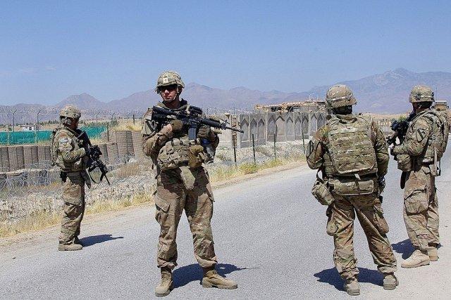 Des soldats américains de la force internationale déployés... (PHOTO WASSEM NIKAD)
