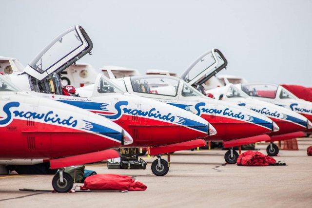 L'équipe de démonstration aérienne des Snowbirds est arrivée à Trois-Rivières.... (Olivier Croteau)