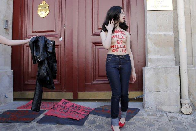 Mercredi, Aliaa Elmahdy a une fois de plus... (Photo Francois Mori, AP)