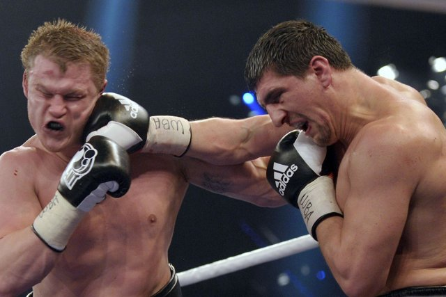 Marco Huck (à droite durant un combat contre... (Photo : Thomas Kienzle, archives AFP)