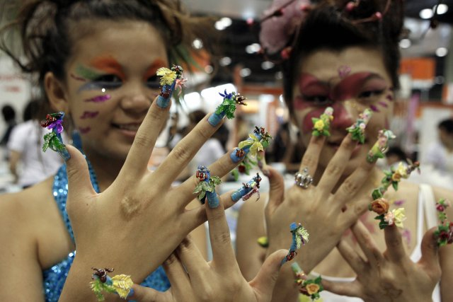 Créations nail art à Beauty Asia 2007, à... (PHOTO ROSLAN RAHMAN, AFP)