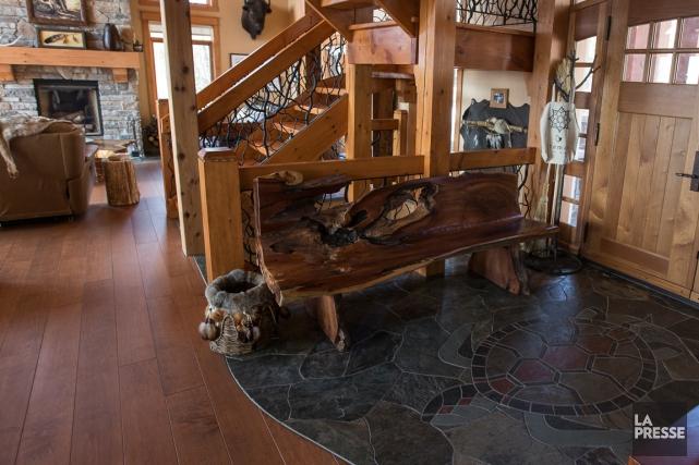 Une maison tout ardoise carole thibaudeau design - Maison canadienne en france ...