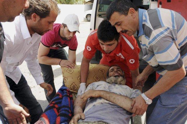 Des dizaines de rebelles blessés se trouvent à... (Photo AP)
