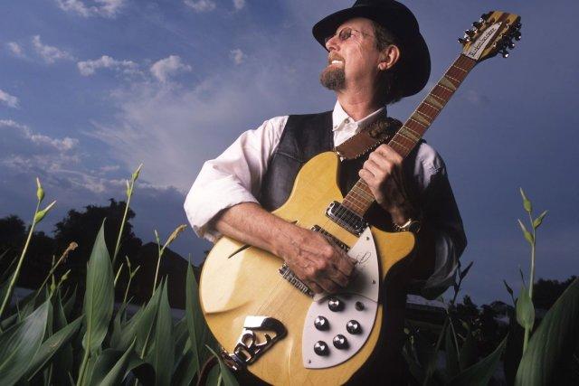 Membre fondateur des Byrds, Roger McGuinn, âgé de...