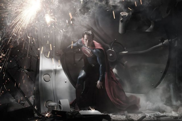 Man of Steel(L'homme d'acieren version française) prend l'affiche...