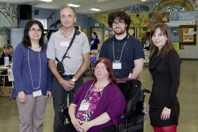Plusieurs représentants d'organismes de services aux personnes handicapées... (photo Stéphanie Mantha)