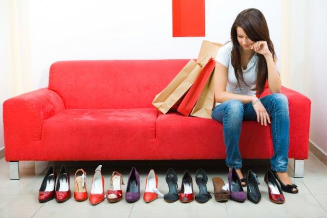 En moyenne, les femmes possèdent 17 paires de... (PHOTO FOURNIE PAR PHOTOS.COM)