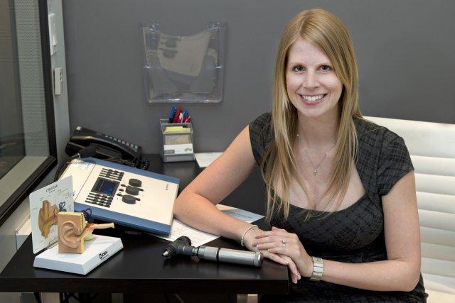 Josiane Comtois a choisi de pratiquer l'audiologie au... (PHOTO Robert Skinner, La Presse)