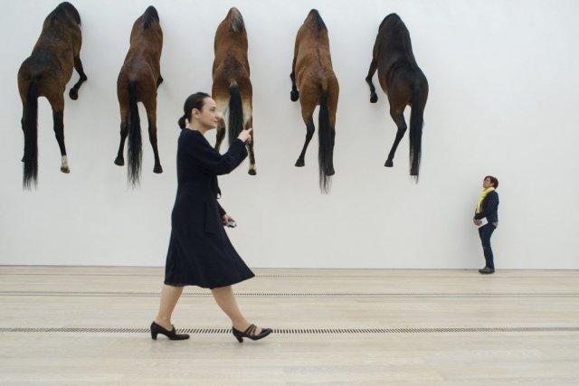 L'oeuvre de Maurizio Cattelan... (Photo: AFP)