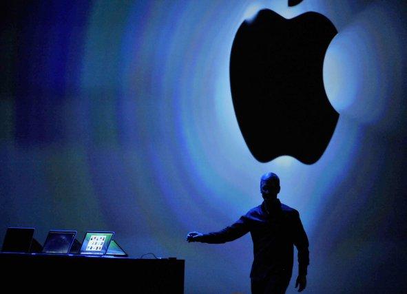 Le géant de l'informatique Apple a révélé lundi avoir reçu entre 4000 et 5000... (Photo Josh Edelson, AFP)